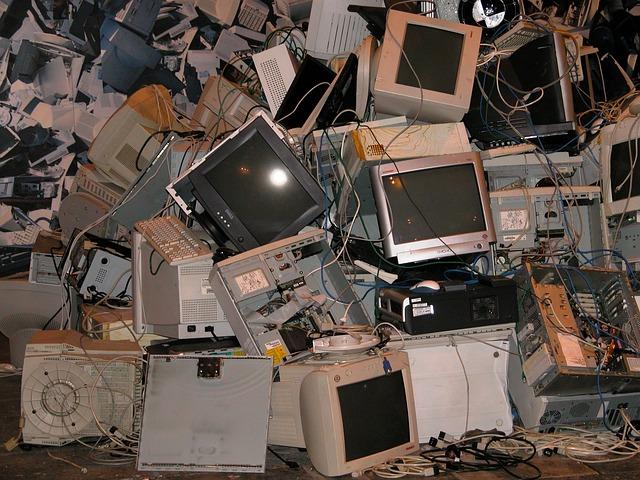 מה המדיניות בארץ לגבי פסולת אלקטרונית?
